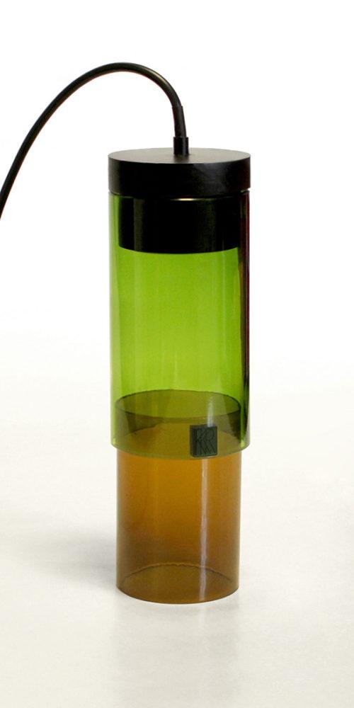 Lampe réalisée à partir de bouteilles de verre